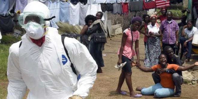La OMS admite que reaccionó tarde y mal frente al ébola