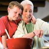 Cómo cuidar a tus nietos puede ayudarte a conservar la memoria
