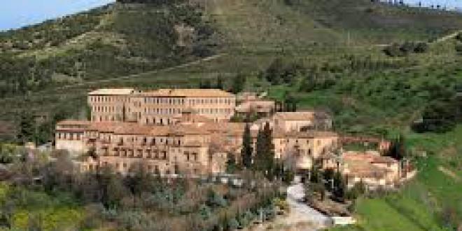HISTORIA Y LEYENDAS DE GRANADA: » LA ABADÍA DEL SACROMONTE»