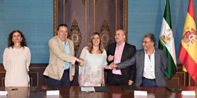 Susana Díaz firma con CCOO, UGT y CSIF un acuerdo para la defensa y mejora del empleo público andaluz
