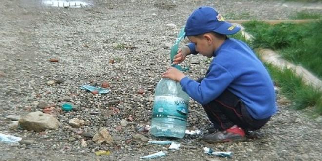 Una prestación de 1.000 euros anuales por hijo sacaría a 400.000 niños de la pobreza
