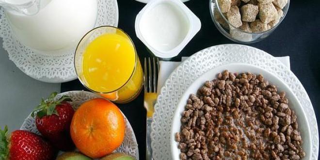 El riesgo de infarto disminuye con un buen desayuno