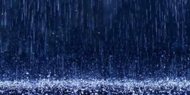 ¿Qué causa el olor a tierra mojada tras la lluvia?