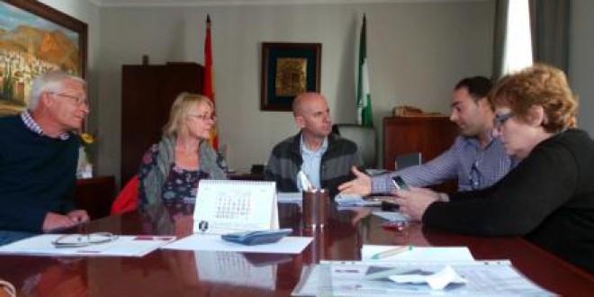 Afectados por las viviendas de Medina Elvira se reúnen con el gobierno local
