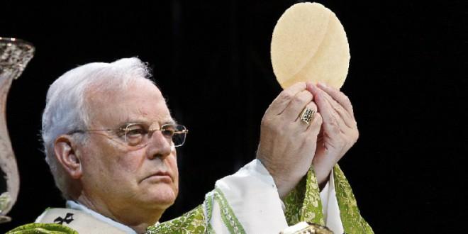 La Iglesia por un lado, los españoles por otro