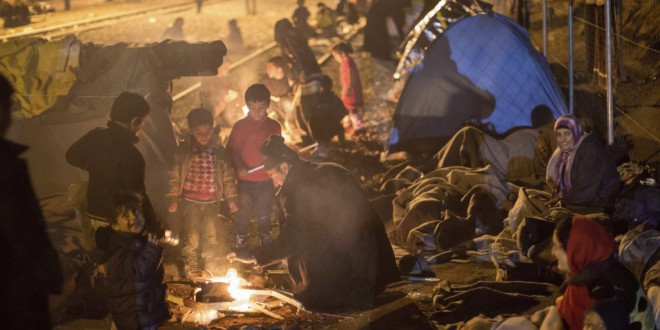 Miles de refugiados entran en vía muerta
