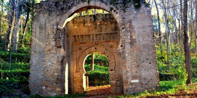 Mitos y leyendas de Granada: El arco escondido en el bosque de la Alhambra