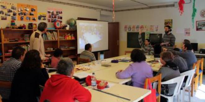 Alumnos de ATARFE con discapacidad participan en el diseño de la reforma del centro ocupacional de Atarfe