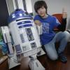 Un chaval de 15 años crea un R2D2 con basura