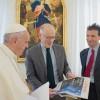 """El papa Francisco defiende sacar la religión del ámbito público: """"El Estado debe ser laico"""""""