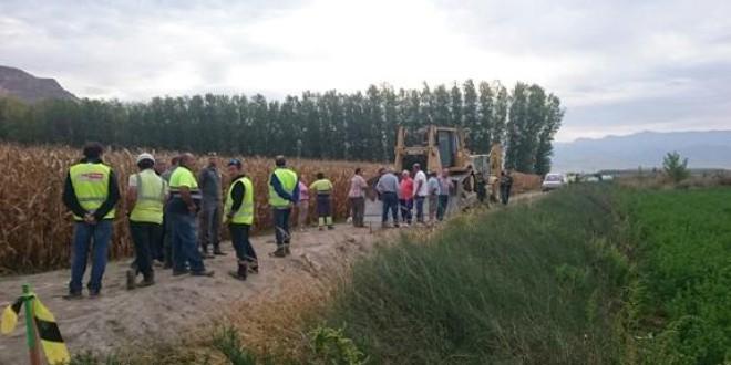 AGRICULTORES DE ATARFE Y PINOS PUENTE PARAN LAS OBRAS DE LA AUTOPISTA DE CÓRDOBA