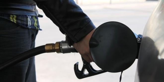 Las gasolineras sin empleados están vetadas ya en el 90% de España