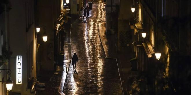 Por qué le doy miedo a esa chica que anda sola por la calle