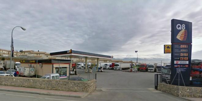Tres encapuchados atracan con armas de fuego una gasolinera en Atarfe