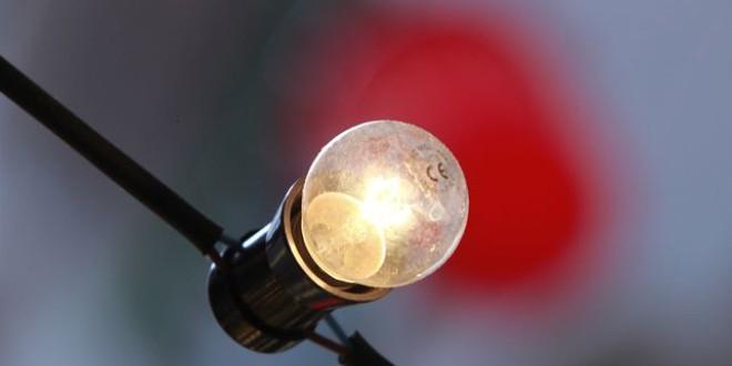 El recibo de la luz encadena siete meses al alza y sube un 28% desde abril