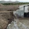Las obras de la GR43 impiden el riego de parcelas sembradas de ajos y alfalfa
