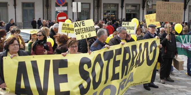 Llaman a la participación en la manifestación del «12 a las 12» tras 700 días de «aislamiento ferroviario»