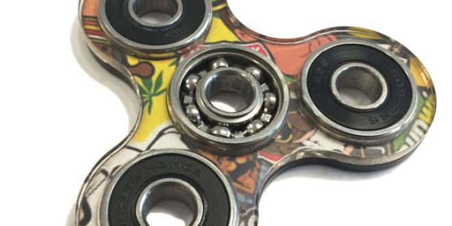 El 'spinner', el nuevo juguete de moda en el patio del colegio