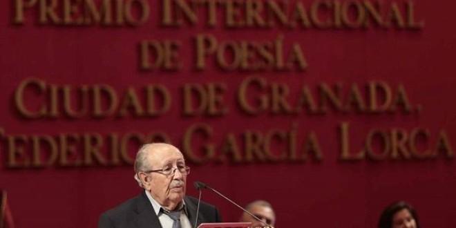 El poeta Rafael Guillén, protagonista del ciclo 'Los sonidos de la Palabra' en la Torre de la Justicia