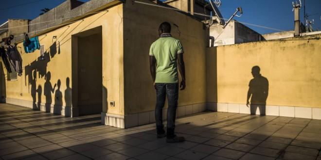 La mafia hace caja con la migración