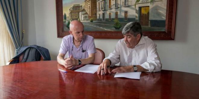 El Ayuntamiento de Atarfe y Endesa firman un acuerdo para luchar contra la pobreza energética
