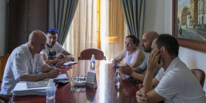 ATARFE: Reunión del Ayuntamiento con la junta directiva del Atarfe Industrial CF