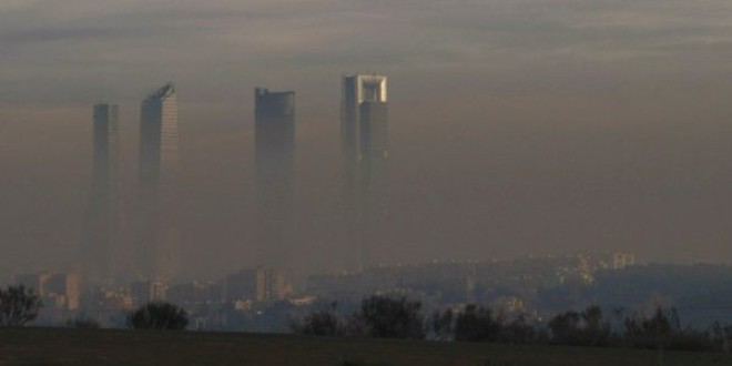 La contaminación acorta la esperanza de vida una década