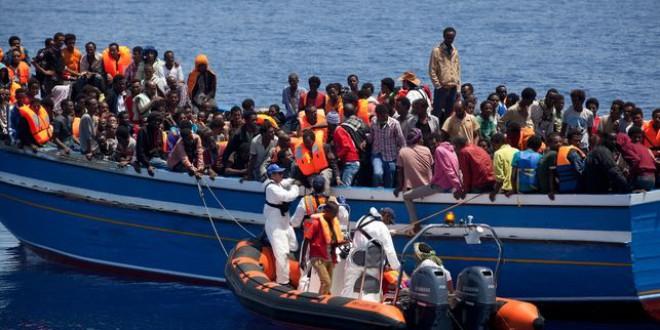 Por qué han bajado las llegadas de migrantes a Italia por el Mediterráneo