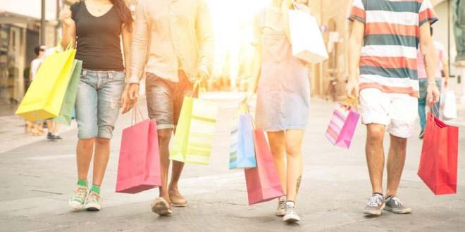 Rebajas: cómo controlar la adicción a las compras en los adolescentes