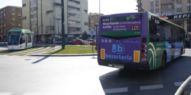 Un tercio de los pueblos metropolitanos han cambiado rutas y horarios de autobús en cinco meses