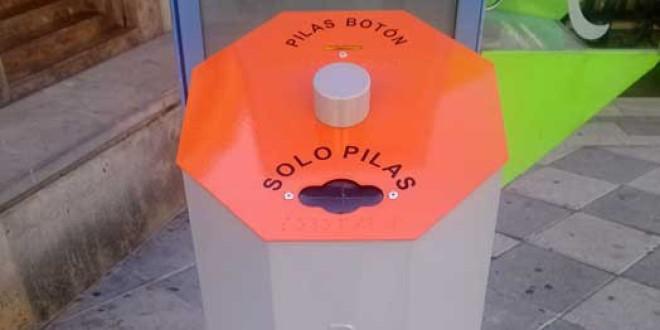 El Ayuntamiento instala contenedores para el reciclaje de las pilas usadas