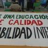 Profesores interinos protestan en demanda de un plan de estabilidad laboral