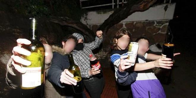 Los ingresos de menores por alcohol deben constar en su historia clínica