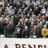 Miles de pensionistas salen a la calle, bajo una intensa lluvia, para exigir pensiones dignas