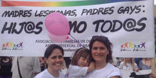Niñas empoderadas y abuelos con pancartas: así se celebra el Orgullo en familia
