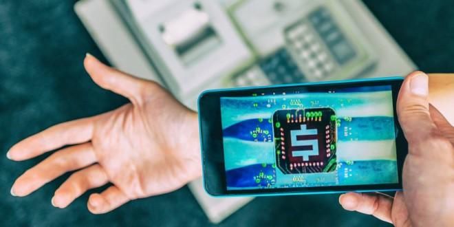 ¿Quién se pone un microchip en la mano para entrar al trabajo?