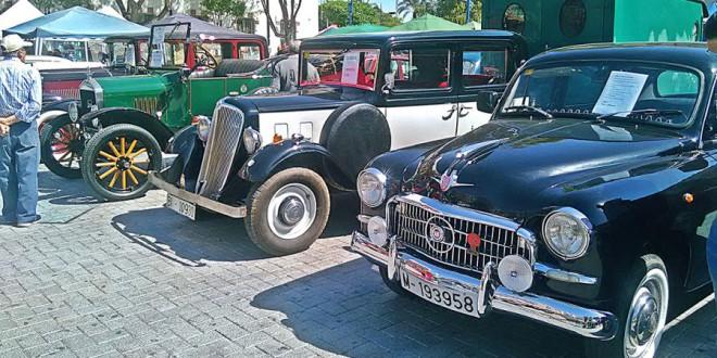 Más de 40 coches antiguos llegan este fin de semana en Granada