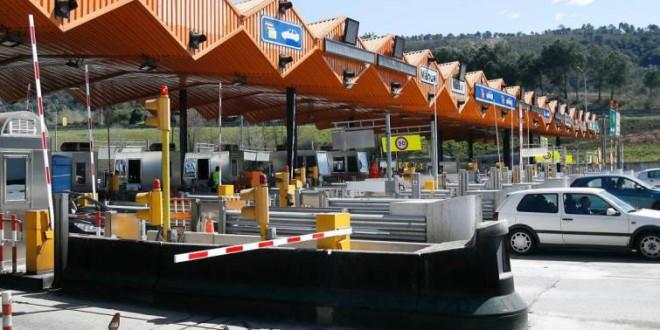Las constructoras proponen implantar peajes para acceder a Madrid y Barcelona
