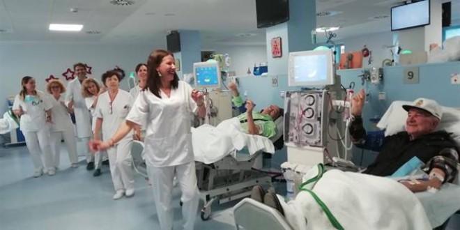 El Hospital Virgen de la Nieves humaniza la terapia de hemodiálisis