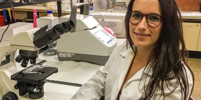 Una investigadora de la UMA avanza el estudio del Alzheimer al analizar el proceso cerebral de la información