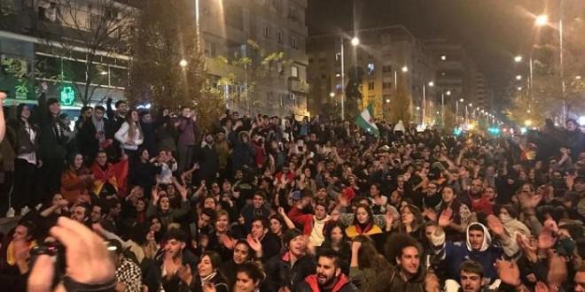 Multitudinaria manifestación en Granada contra el ascenso de Vox