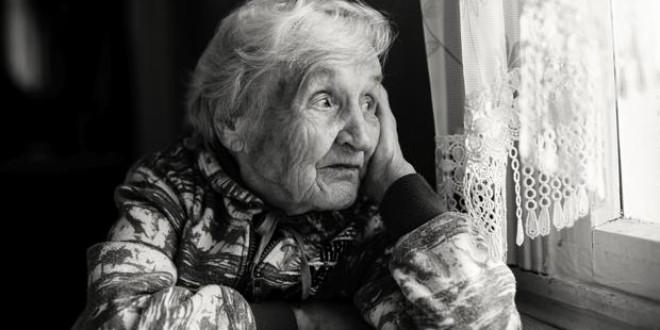 Un problema que no se ve: la soledad de los mayores