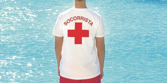 Cruz Roja imparte un curso de socorrismo acuático y primeros auxilios