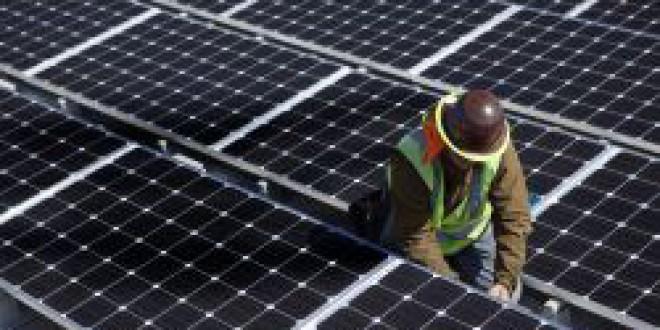 Las renovables crean más empleo que los combustibles fósiles: ocupan ya a casi 10 millones de personas en el mundo