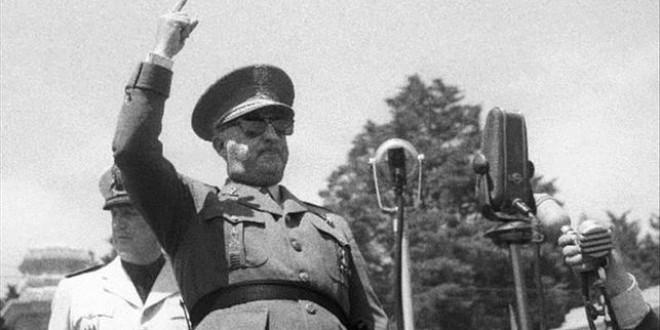 Franco no inventó la seguridad social ni las vacaciones pagadas: el hilo que desmonta los falsos logros del dictador