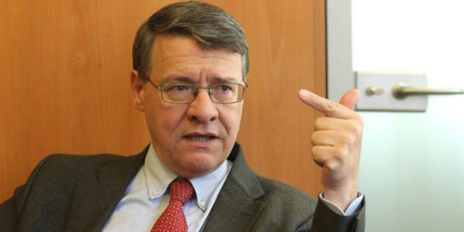 Jordi Sevilla propone una renta básica universal ligada al IRPF