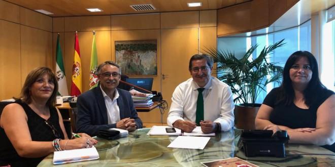 ENCUENTRO INSTITUCIONAL DEL ALCALDE DE ATARFE CON EL PRESIDENTE DE LA DIPUTACIÓN DE GRANADA