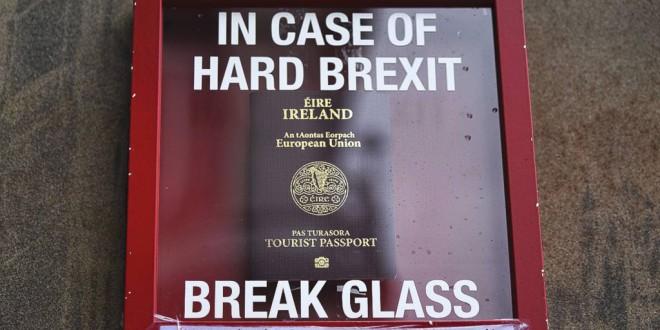 El Brexit empuja a miles de británicos a desempolvar los papeles de sus abuelos irlandeses para seguir en la UE