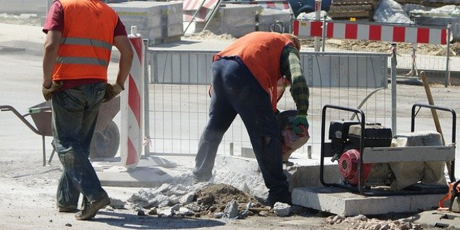 Los ingresos salariales en Granada son ahora menores que hace diez años