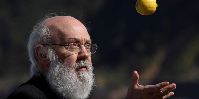 José Luis Cuerda, Nietzsche y Marx… La filosofía de 'Amanece, que no es poco', en cuatro conceptos